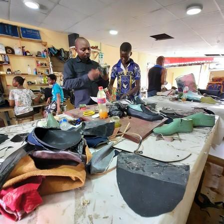 nigeria shoemaking school online_126